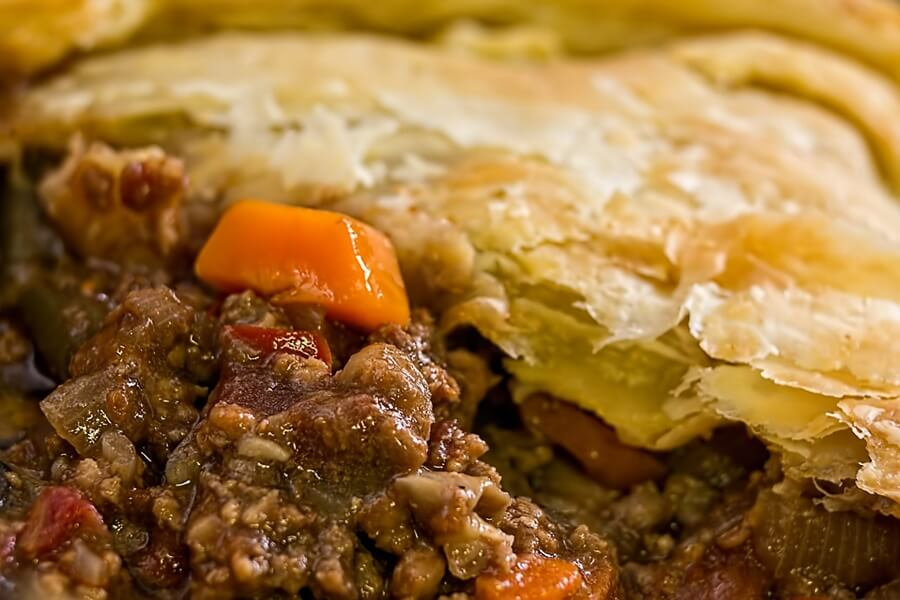 australian traditional food - meat pie
